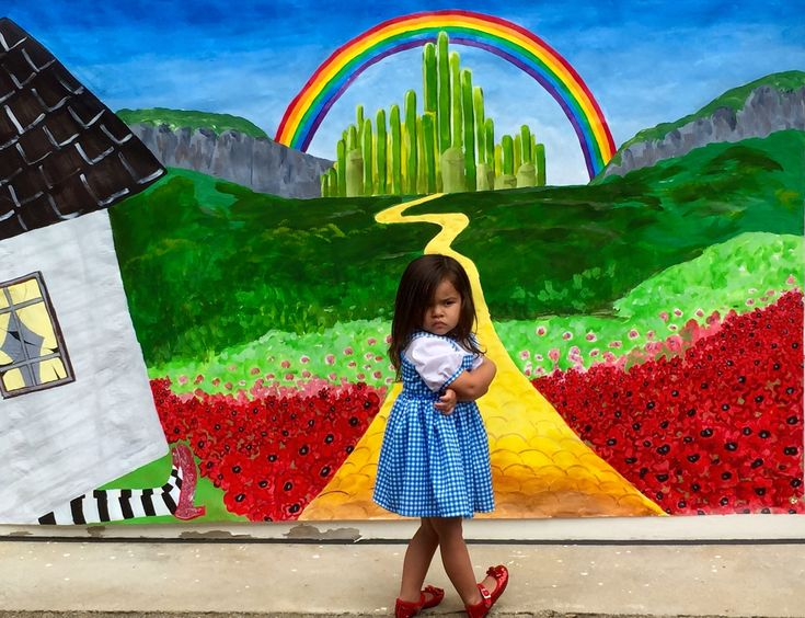 wizard of oz wall mural joshua and tammy. Black Bedroom Furniture Sets. Home Design Ideas