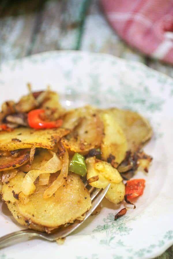 Easy, Crispy Pan Fried Potatoes - Perfect Every Time ...