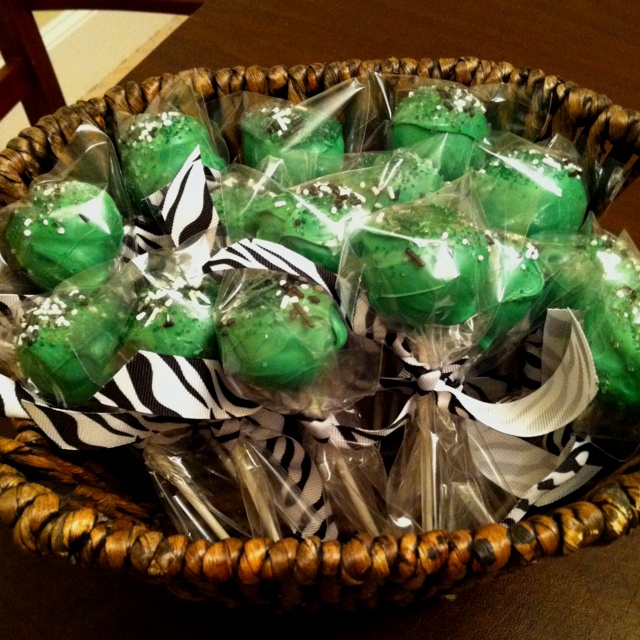 Prosper Eagles Spirit Cake Pops for my Cheerleaders!! Buttercream
