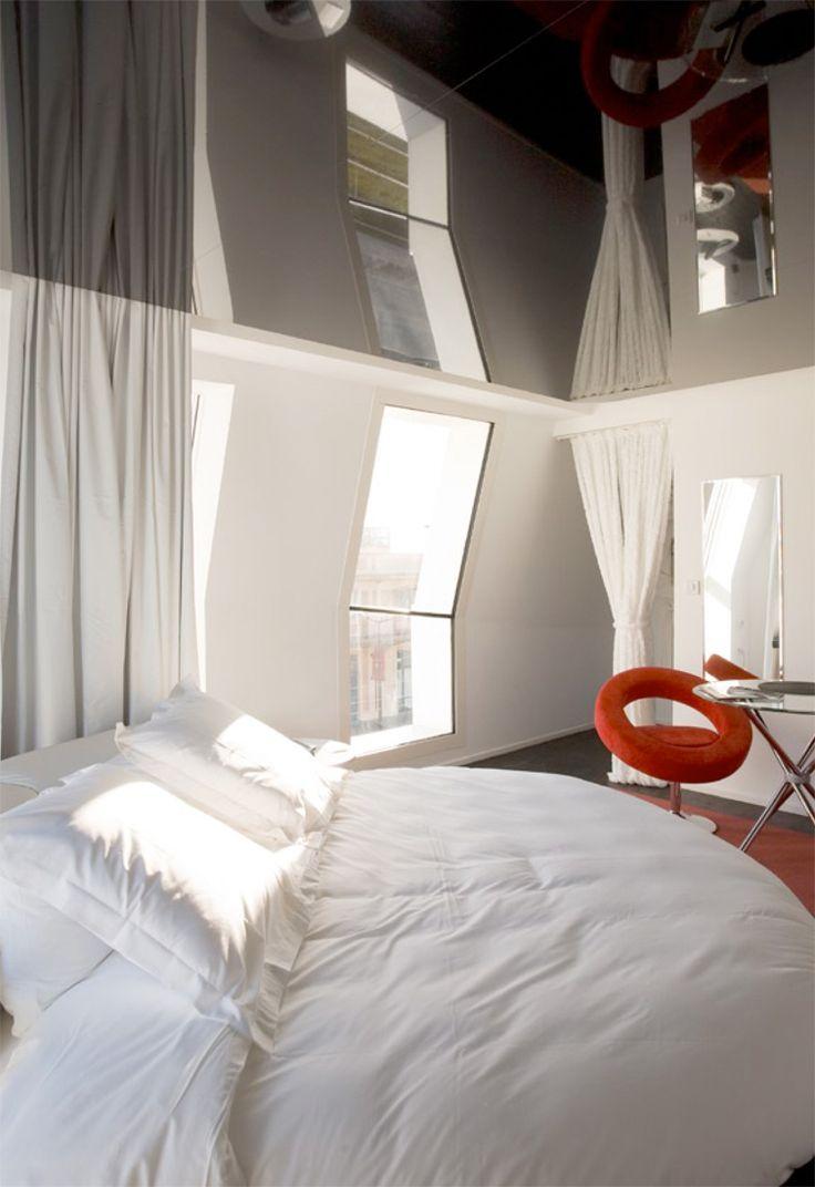 Hotel Seeko Bordeaux France bu Atelier King Kong