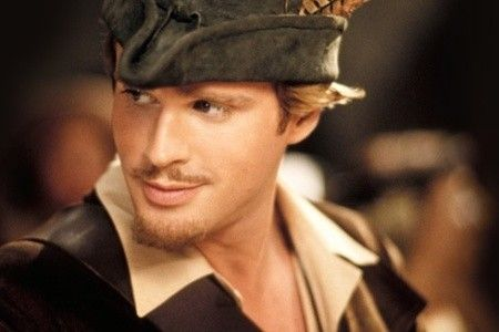 Cary Elwes... Gosh, you are just TOO FREAKING DREAMY. I always have a crush on him in every single movie he is in.