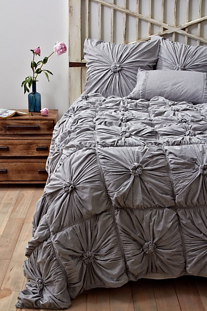 love this bedding..sigh