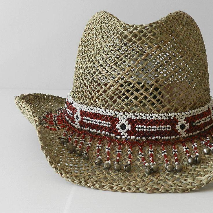 Sombrero de cowboy ajustable y decorado con aplicación en rocalla roja, blanca…