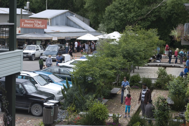 Matakana Village Farmers Market.  Get there early as hundreds arrive from Auckland each Saturday to buy their produce.  #matakana #auckland #markets #produce