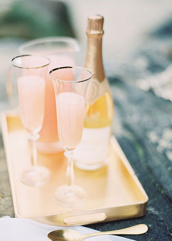 Prosecco Bellinis | Ashley Kelemen Photography | Peach Bellini Brunch Wedding Inspiration