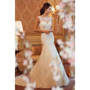 Chic Backless Lace White Wedding Dress