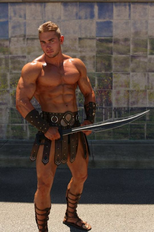 GAY MUSCLE GLADIATOR