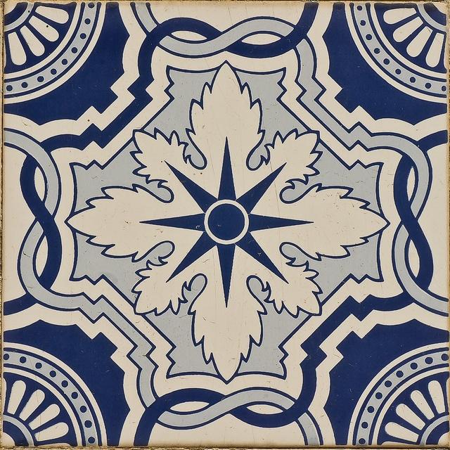 Azulejos Portugueses - 11 by r2hox, via Flickr
