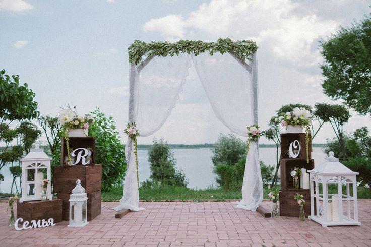 Свадьба Rustic, рустик, свадебная флористика, свадебная деревянная, квадратная арка, фонари, свадебная флористика, свечи, Свадьбы в белом цвете, Виды табличек, Буквы, Декор для оформления, Ящик, Драпировка тканью, П-образная арка, Оформление выездной церемонии регистрации, Оформление свадьбы цветами, Свадьбы в коричневых тонах