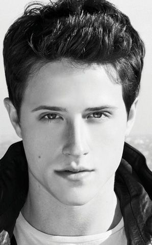 My new latest boy craze. SHANE HARPER. Although he stars in Good Luck Charlie, he played brilliantly in the movie God's Not Dead! (which, btw is an excellent film). Plus he's a christian (duh.) :D