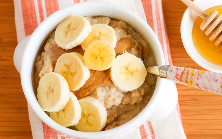 When you jump out of bed at the buzz of your 5:30 a.m. alarm for an early morning workout, eating breakfast might be the last thing on your mind.