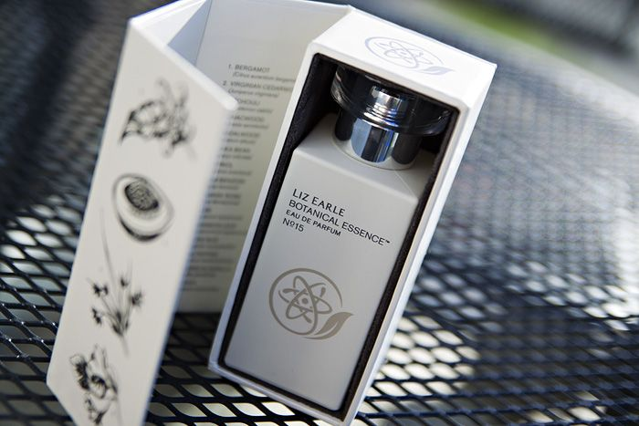 Liz-Earle-Botanical-Essence-No15-Perfume_01.jpg (700×467)