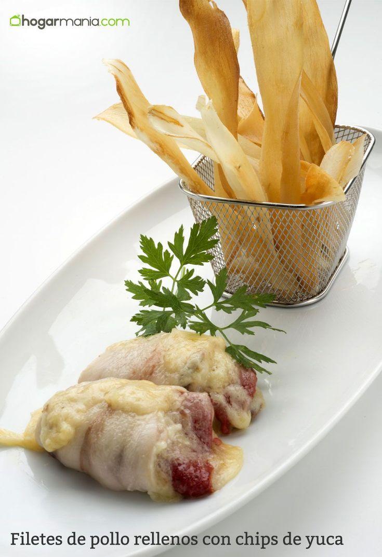Karlos Arguiñano prepara rollitos de pechuga de pollo, panceta, queso y pimiento del piquillo confitado y los acompaña con unas originales chips de yuca.