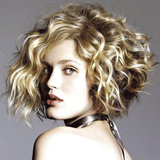 Симпатичные Короткие вьющиеся прически с челками Для Side густых волос - картинки, фотографии, изображения
