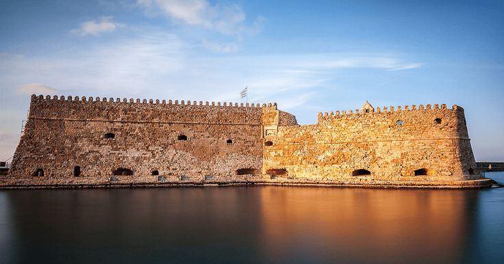 δανική επιλογή για ατμοσφαιρικές, απογευματινές βόλτες #Minoan_escapes  Koules or Castello a Mare in the port of Heraklion is a perfect spot for an afternoon stroll. http://www.minoan.gr/aksiotheata/67/enetiko-froyrio-koyles