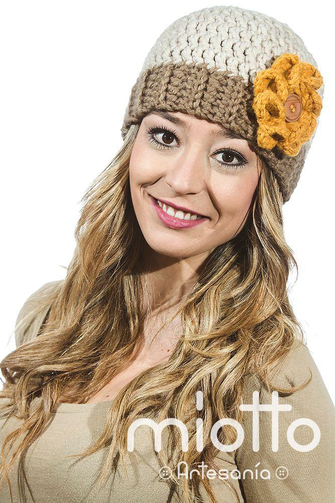 Gorro Mujer Ganchillo detalle Flor | Woman Bonnet Crochet Flower