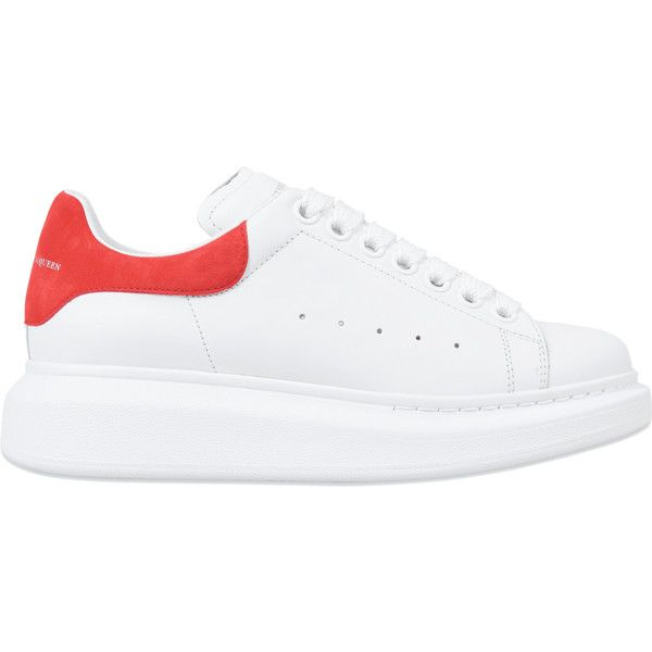 Alexander McQueen Exaggerated sole sneaker (4,190 GTQ) ❤ liked on Polyvore featuring shoes, sneakers, white, white trainers, white sneakers, alexander mcqueen shoes, white shoes and alexander mcqueen sneakers