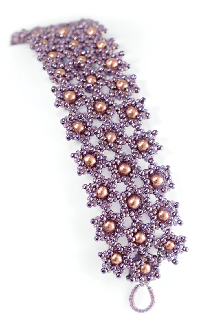 Free PDF- Star Power by Nichole Starman. Experiment with connections for a unique bracelet. #Seed #Bead #Tutorials