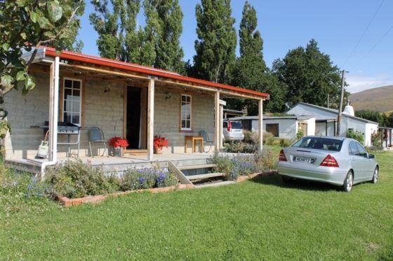 Historic Mud brick cottage in Central Otago District, Otago   Bookabach/21936