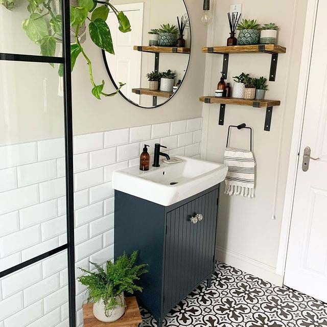 25 Best Tile Shower Ideas For Small Bathrooms That Will Make It Look Bigger In 2021 Small Bathroom Interior Bathroom Interior Design Small Bathroom Remodel Bathroom installation companies near me