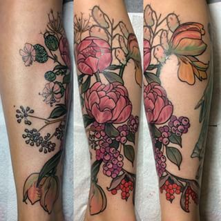 This floral work of art. | 24 Beautiful Tattoos That Subtly Show How Much You Love Australia