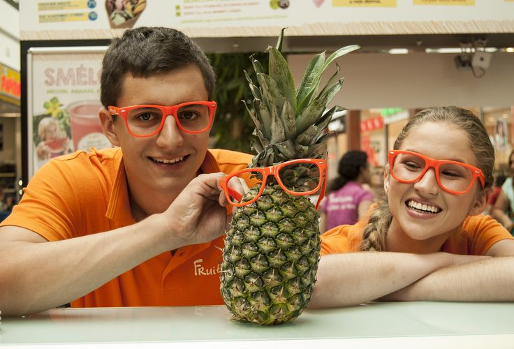 #fruitisimo #orange #freshjuice #fresh #ananas #pineapple #smile