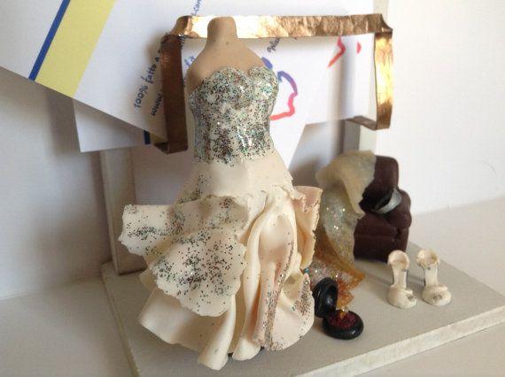 Porta biglietti da visita da scrivania per sartoria per sposa di WizzyArtCreation tutte le creazioni su http://www.tizianacandito.com