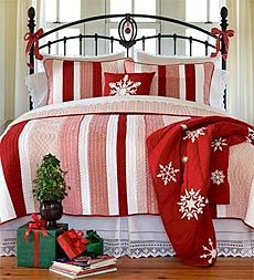 change the guest room at Christmas.Holiday, Christmas Beds, Guest Room, Ideas, Christmas Linens, Christmas Bedrooms, Candies Canes, Christmas Quilt, Stripes Quilt