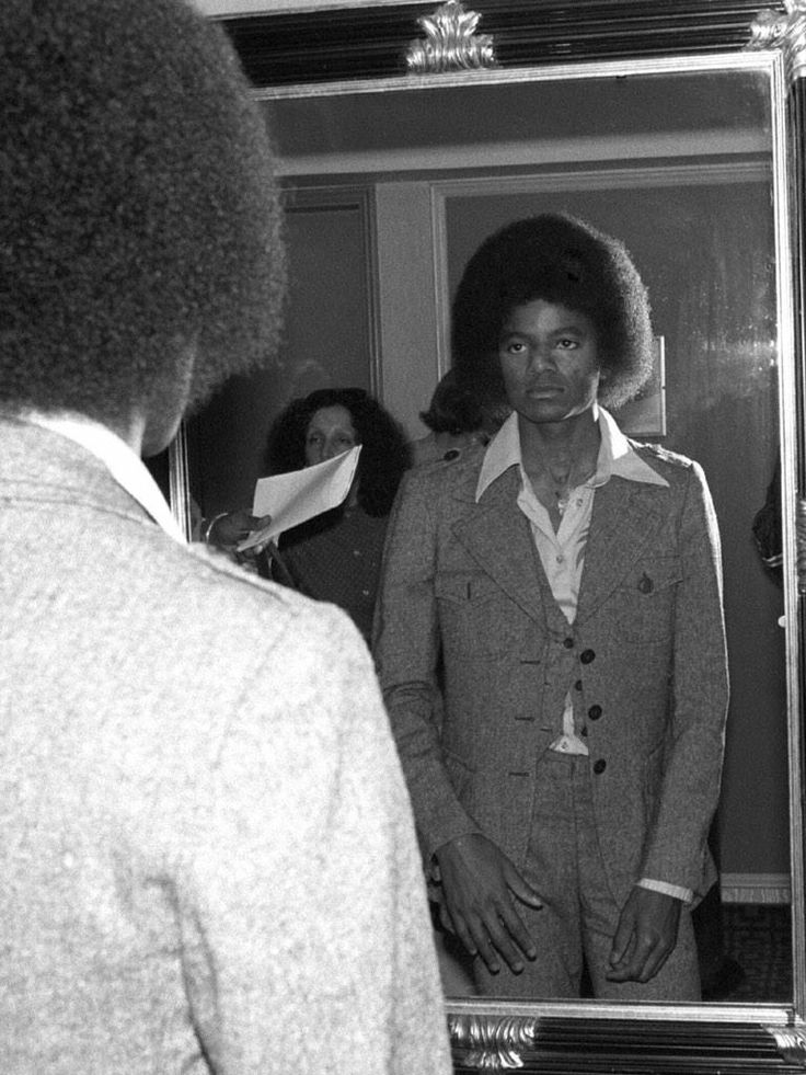 """""""It's a problem for me that I can't control."""" -Michael Jackson speaking of his vitiligo."""