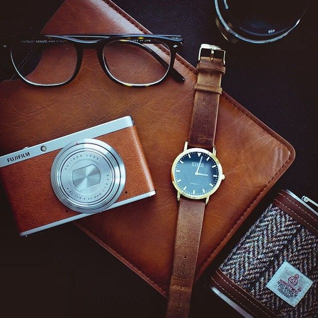 St Ives and light brown leather strap