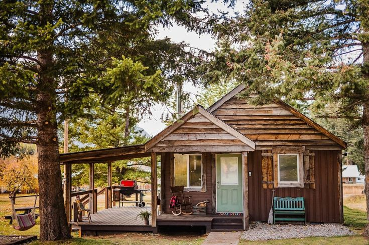 Top Five Places to Stay in and around Glacier National Park