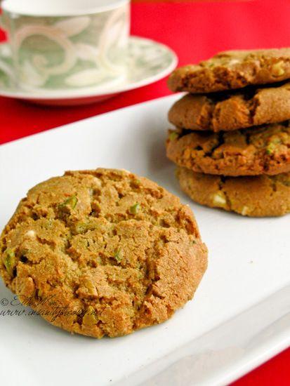 Nigella Lawsons' pistachio & white choc cookies