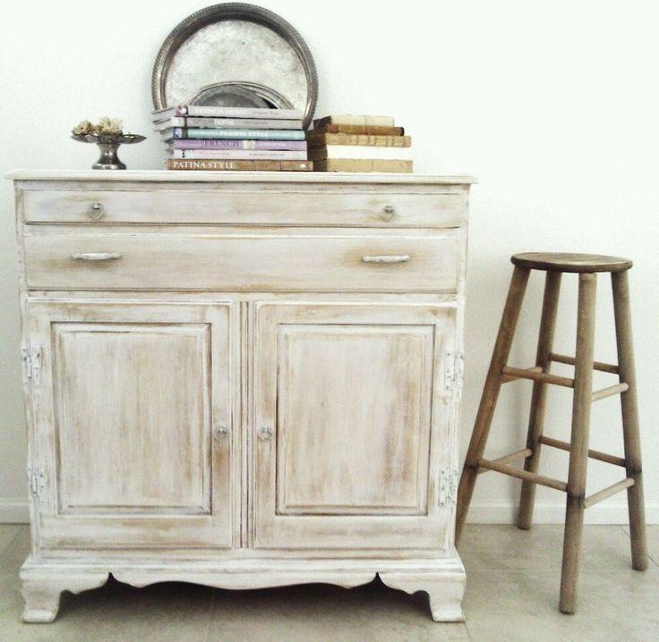 M s de 20 ideas incre bles sobre muebles antiguos pintados for Muebles antiguos vintage