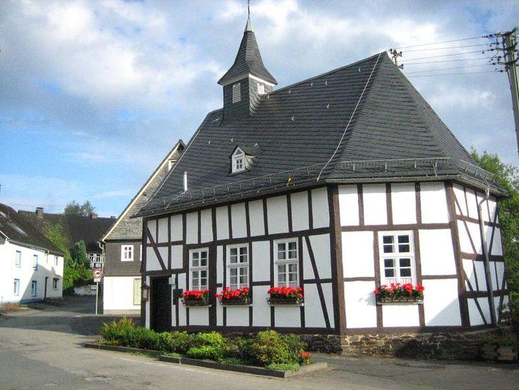 Trupbach, Germany: Rector Genealogy - Hans Jacob Richter born 10 Oct 1674 in Trupbach, Germany.