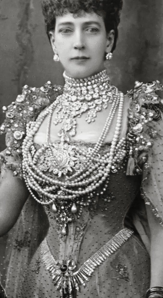 155 Best Royal Jewellery Images On Pinterest England