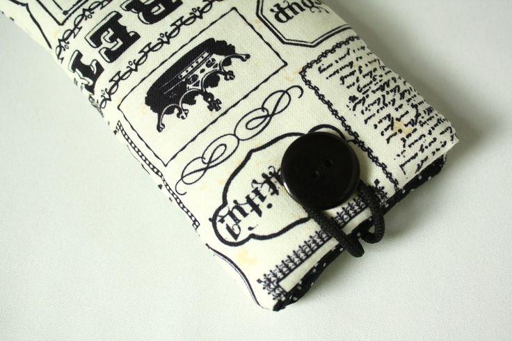 """Handytaschen - Handytasche """"Zeitung"""" - ein Designerstück von Fadentaenzerin bei DaWanda"""