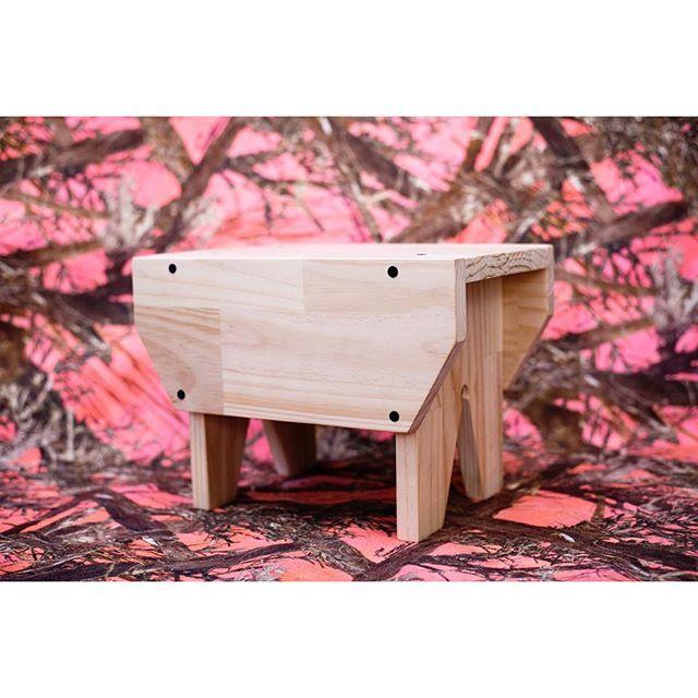 """""""Mini #banca la más pequeña y favorita de la familia #labancacl  Pide la tuya !  #muebles #multiuso #madera #furniture #deco #carpinteroschilenos #diseñobasico"""" Photo taken by @labanca.cl on Instagram, pinned via the InstaPin iOS App! http://www.instapinapp.com (10/27/2015)"""
