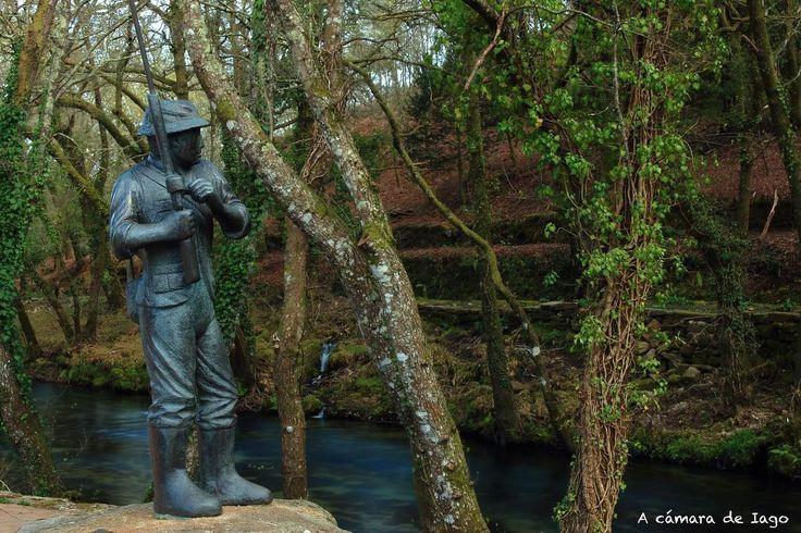 El pescador de Ponte Caldelas vía @acamaradeiago #Galicia #SienteGalicia