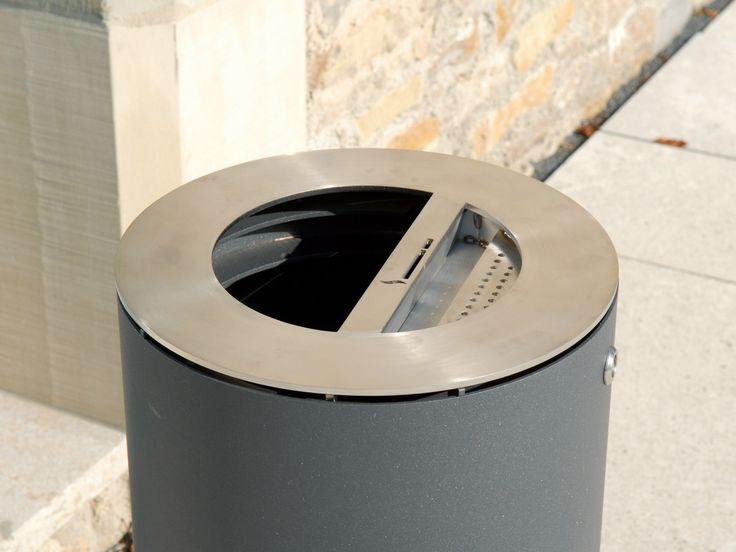 http://www.archiproducts.com/pt/produtos/75999/litter-bin-caixote-do-lixo-com-cinzeiro-para-exterior-litter-bin-220-caixote-do-lixo-com-cinzeiro-benkert-banke.html
