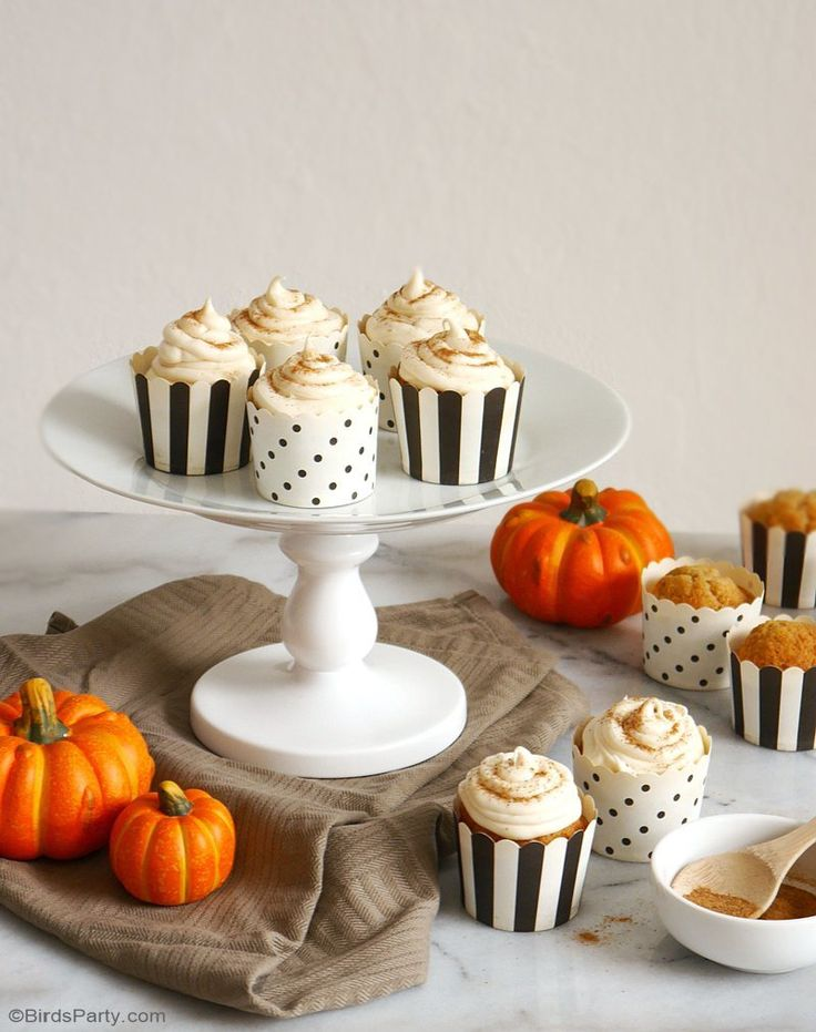 Pumpkin Spice Cupcakes & Easiest Cream Cheese Frosting EVER! - learn to bake these delicious Fall treats for a party or dessert course! by BirdsParty.com @birdsparty #DoughboySurprise #ad