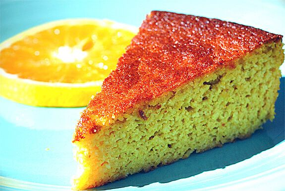 Paleo Orange Cake recipe made with 6 healthy ingredients --whole oranges, almond flour, eggs, honey, salt, and baking soda. Gluten-free and dairy-free.