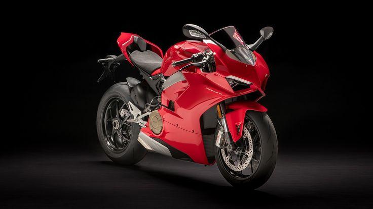 De pe circuitul MotoGP acum direct pe șosea – Noua Motocicletă Supersport Panigale V4 de la Ducati