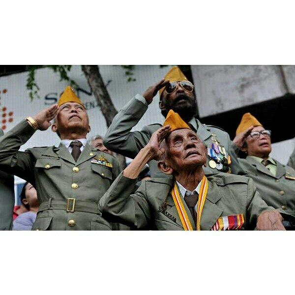 Indonesian Veterans at Indonesian Independence Day Salute to them. Sacrifice themselves for Indonesian Independence.