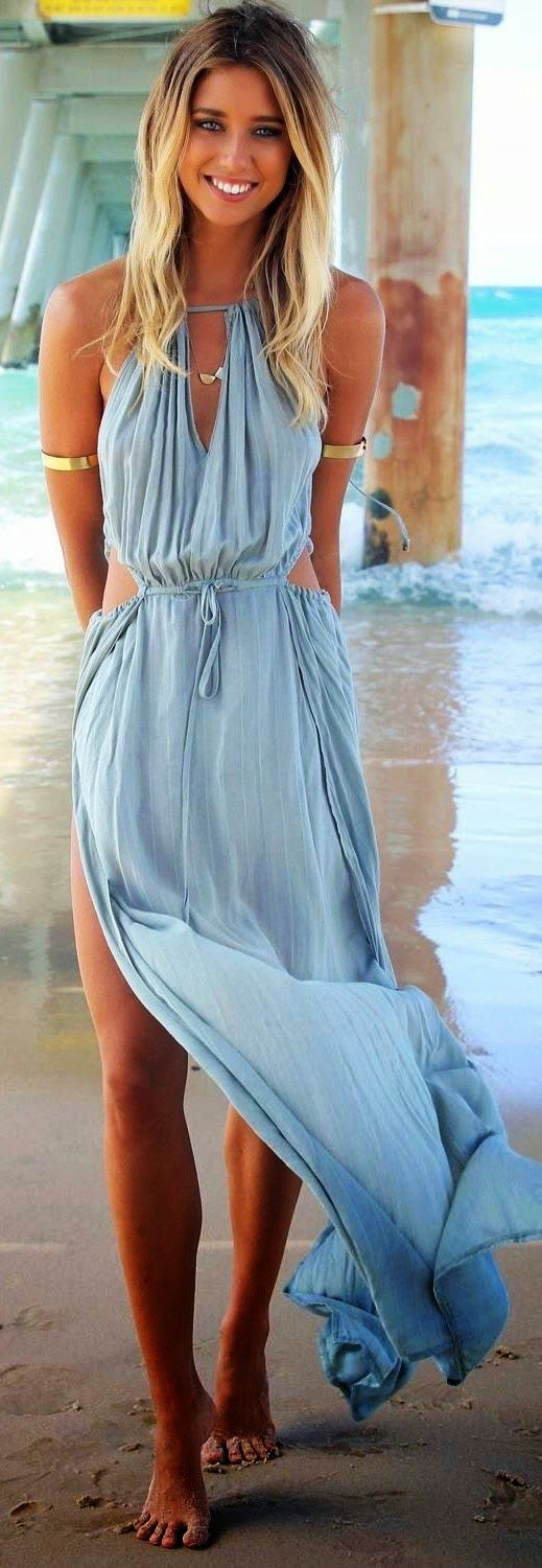 Beach walks in a long, flowing maxi #summer #summerlove