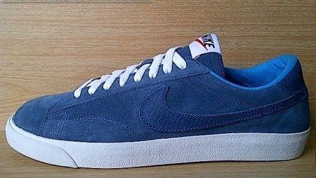 Kode Sepatu: Nike Classic Blue Suede  Ukuran Sepatu: 42 Harga: Rp. 560.000,- Untuk pemesanan hub 0831-6794-8611