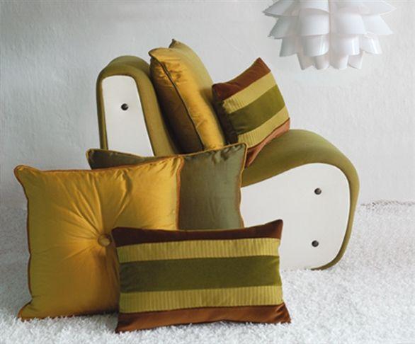 Oltre 25 fantastiche idee su cuscini per divano su pinterest arredamento della camera marrone - Cuscini divano on line ...