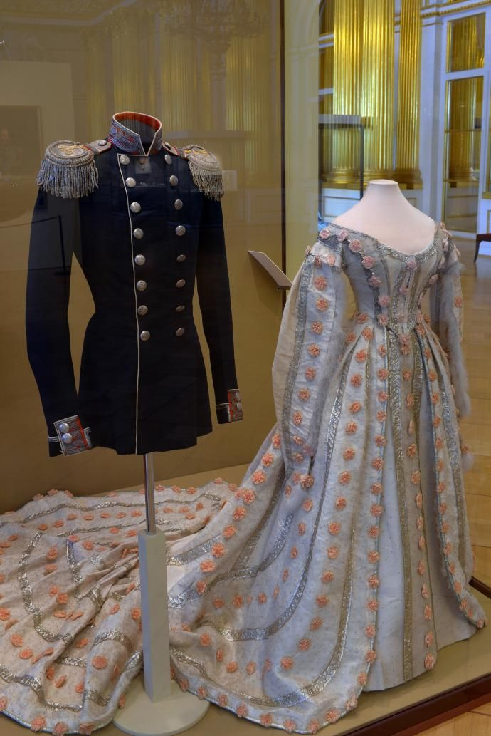 Court dress with pink flowers, Mid 19th century.