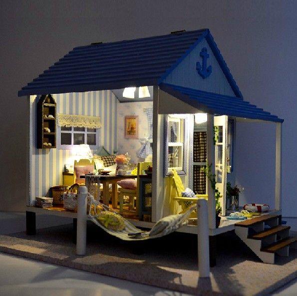 1000+ Ideas About Diy Dollhouse On Pinterest