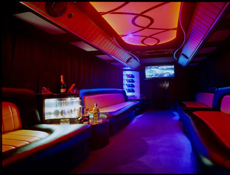 http://partykrakow.co.uk/stag-weekends-krakow/nightlife/strip-partybus/