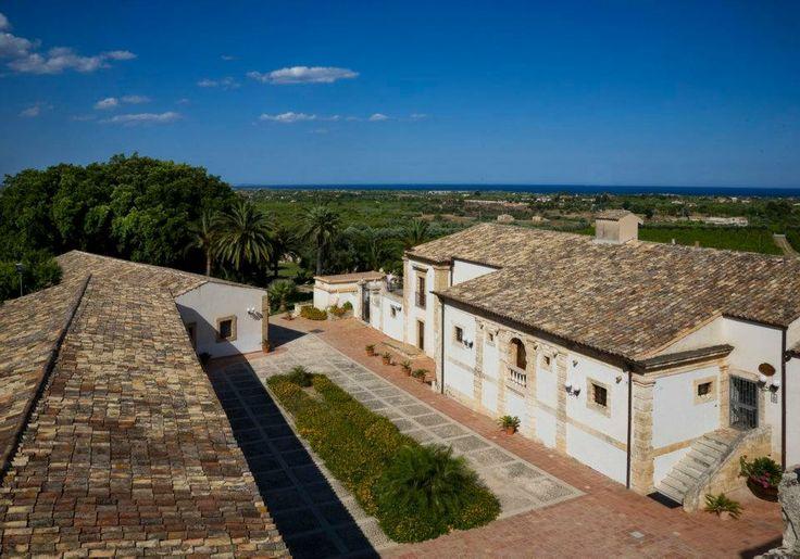 www.villafavoritanoto.it